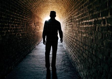 شناخت مراحل 5گانه تجربه نزدیک به مرگ