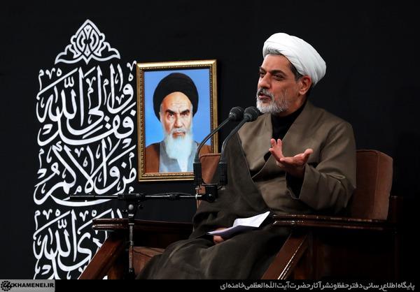 انحرافات فرقه عرفان حلقه در سخنرانی مراسم عزاداری رهبر انقلاب