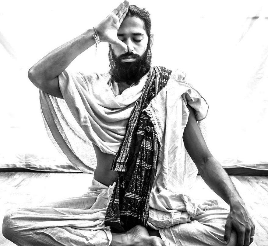 یوگا از چه زمانی و توسط چه جریانی به عنوان ورزش معرفی شد؟
