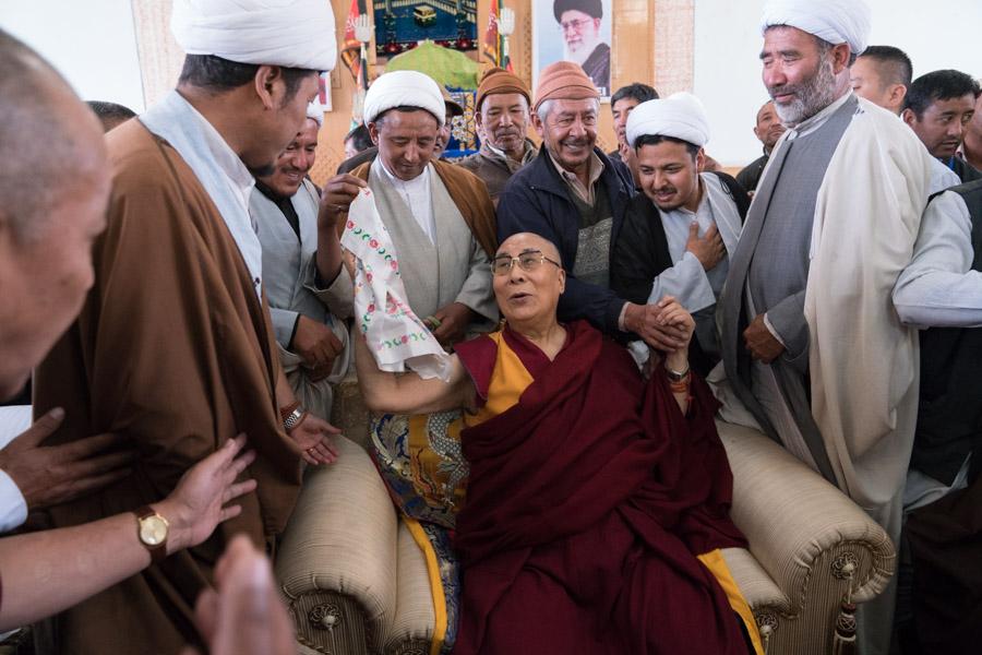 استاندارد دوگانه دالایی لاما برای مسلمانان